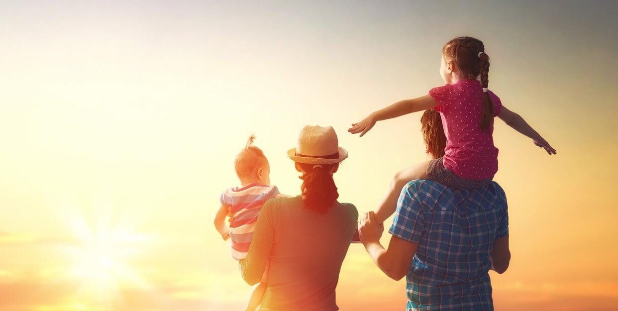 familie parinti copii relaxare card vacanta up romania